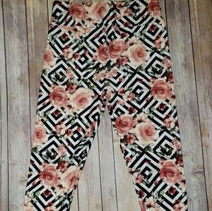Lularoe TC leggings floral and design